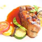 ツキ シュール ラメール - カジュアルランチ 1550円 の豚スペアリブ夏仕立て、スパイスを効かせたソース
