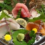 旬魚と個室居酒屋 嵐山  - 鮮魚のお刺身3種盛り