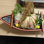 旬魚と個室居酒屋 嵐山  - 九州名物 胡麻カンパチの炙り