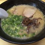 万里 - 料理写真:ラーメン=530円