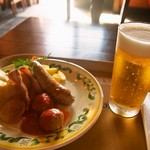 カフェ ポルトフィーノ - サルメリアピアット & 生ビール