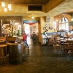 カフェ ポルトフィーノ - 店内(地中海の港町をイメージしているらしい)
