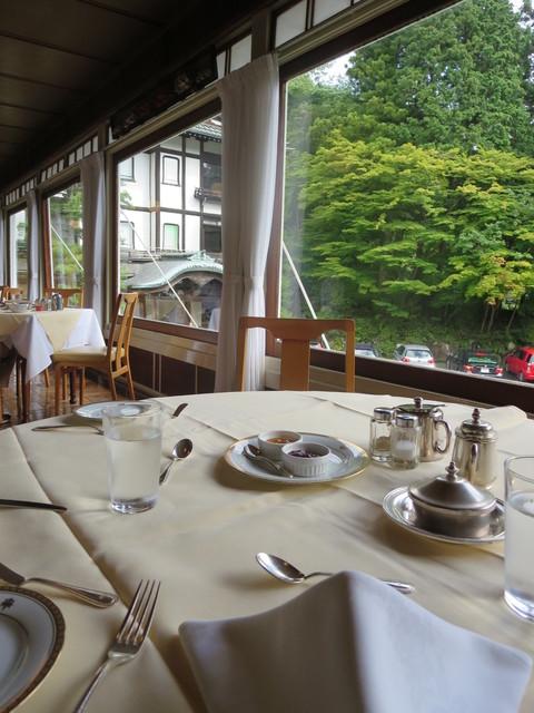 日光金谷ホテル - 気持ちのいい朝食空間