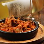 炭焼き&ワイン ドリフト - 宮崎牛のハチノスのトマト煮ゆっくりことこと煮込んでます