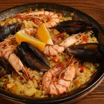 炭焼き&ワイン ドリフト - 魚介の旨味が凝縮されたパエリア