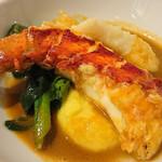ヴィーヴルソレイユ - お魚料理はオマールエビが入った料理