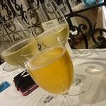 ヴィーヴルソレイユ - ビールと白ワイン