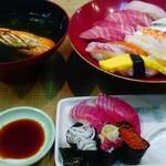 鮪富士 - スジ部分が写真でもわかります…結構スジ多かった