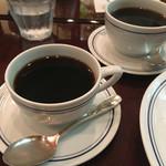 パパス カフェ - ブレンドとアメリカン