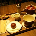 56359988 - 挽きたて緑茶セルフミキシング 550円税別と お菓子 150円税別