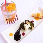 Another Room Cafe - プレートCのドリンクとデザート