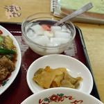 芳香園 - サービスランチ「牛バラの醤油煮込み」 850円