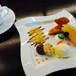 キズナカフェ - ◆彩り鮮やかな自家製コーヒーに合うケーキセット◆