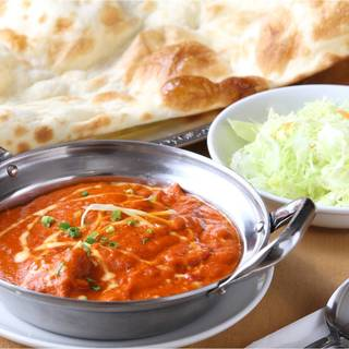 ◆ディナー時限定!単品カレーのご注文で『ナン無料』♪