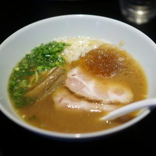 MEN-EIJI - 料理写真:魚介豚骨醤油830円