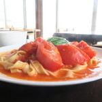 海カフェ ネフ - フレッシュトマトのパスタ