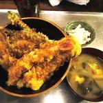 立ち飲み処 呑うてんき - 呑うてんき @八重洲 天丼 550円