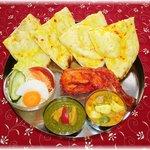 インド料理マヤ - 料理写真:人気のメニューが一皿にそろったビラジセット