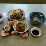56381089 - 日替わり創作定食 鯖の竜田揚げ、お造り2種、小鉢3種