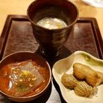 焼鳥 おがわ - 前菜(生ピーナツ、ところてん、米と松茸のスープ)