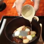 茶菓円山 - 2016.09 まずは白蜜を掛けて・・・