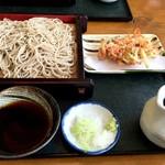蕎麦処 満月 - 料理写真:もり蕎麦(580円)とかき揚げ(150円)