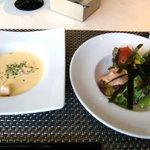 5640107 - コーンスープとサラダ