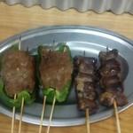 馬力 神田南口店 - ピーマン肉詰めとハツ
