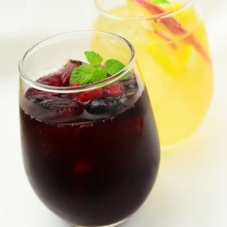 自家製サングリアやワインなど豊富なドリンクメニュー