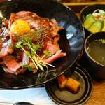 56404437 - ランチ定食(ソースとビーフ丼)
