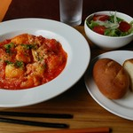 洋食食堂トロワ - ジャガイモのニヨッキアラビアータ風。