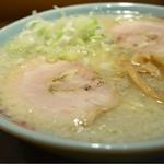 田中屋 - 中華そば・背脂(こってり)。麺固め。