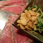 シャカ - 通常は、ニンニクと一緒に食べます