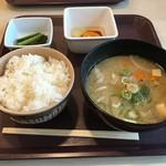 横川サービスエリア 上り スナックコーナー - 豚汁セット+生卵