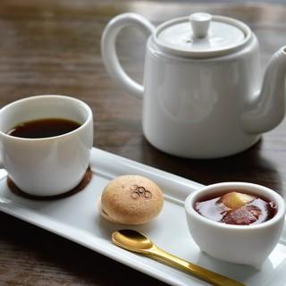 cafe たねの隣り - 料理写真:コーヒーとミニデザート♡