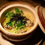 Maru - 牡蠣の炊き込み御飯(1280円) だいたい3人前くらいでしょうか