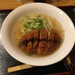 宮廷飯店 - トンカツラ〜メン700円