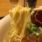 宮廷飯店 - 中細ストレート麺
