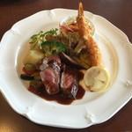 上野 精養軒 カフェラン ランドーレ - 牛ロースステーキ デミグラスソース&海老フライ タルタルソース添え