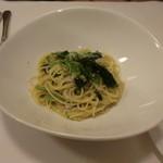オステリア・バスティーユ - しらすと小松菜のアンチョビオイルソース