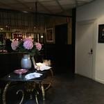 Central Hotel - 朝食は1Fのカフェレストランで。