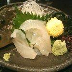 旬の魚と旨い地鶏 魚鶏屋 - はぜのお刺身(さっきまで生簀にいました)
