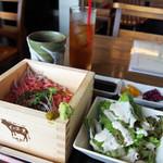 渋谷肉割烹バル 和牛男~COWBOY~ - にいがた和牛の鉄火丼