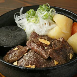 ディナータイムは「神戸牛」と「ワイン」で!