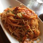 エノテカ・リオーネ - えびとキャベツのフレッシュトマトスパゲティ