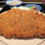 食事処天ひろ - 料理写真:とんかつ、コロモが厚くボリュームあり