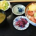 56437435 - 海鮮丼950円(税込)