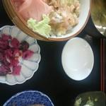 56437634 - 二色丼1000円(税込)