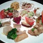 56445304 - 秋メニューの惣作野菜。                          2016