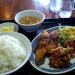 中華麺食堂 味楽亭 - 料理写真:日替り \565 (白身フライ と 唐揚げ)
